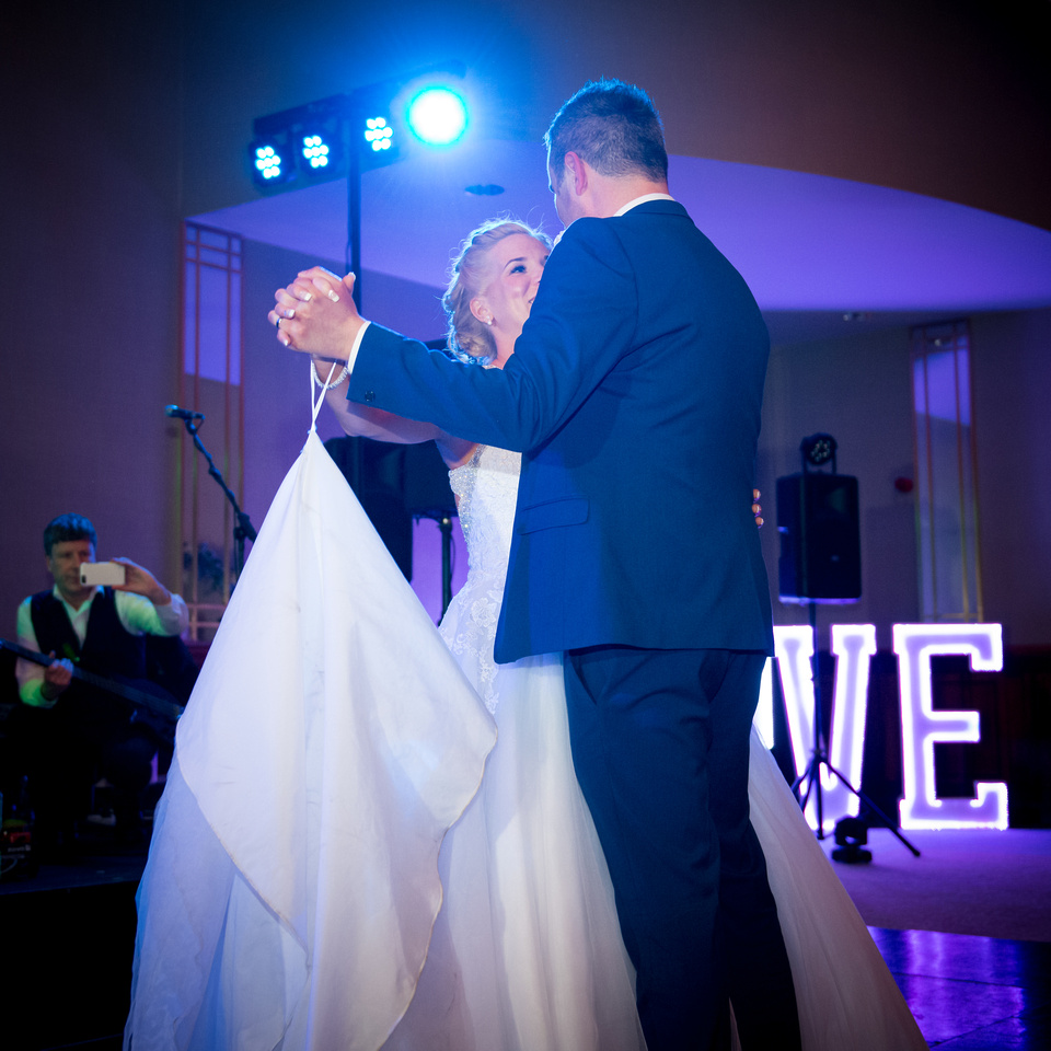 Wedding Photography Packages and Prices Dublin, Meath, Kildare, Louth, Wicklow, Westmeath, Carlow, Kilkenny and the Rest of Ireland. The First Dance(s) Wedding Photography Package Full Gallery from Bride Preparation to the first few dances as Husband and Wife
