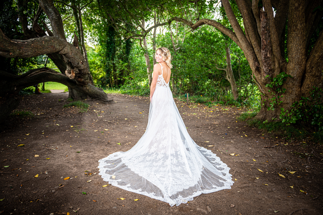 Beautiful Wedding Portraits are possible with Social Distancing. Wedding Photography with Social Distancing