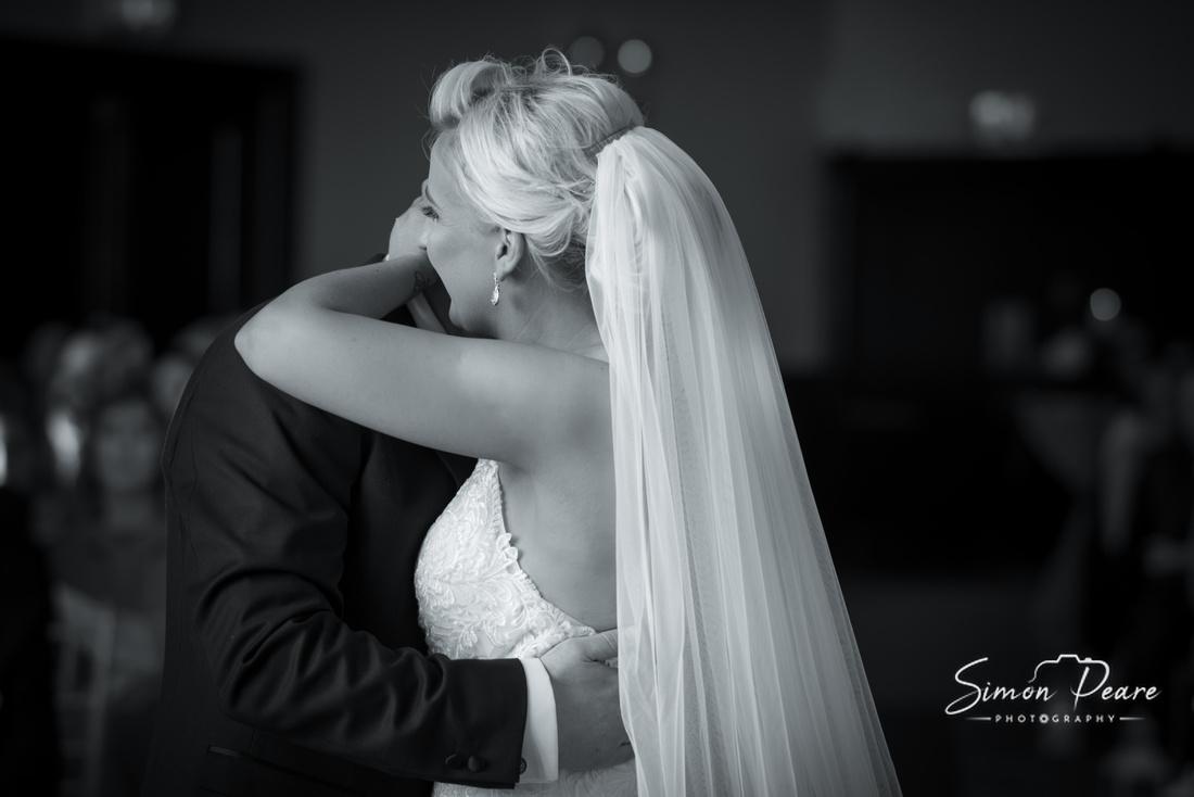 Wedding Featured on Weddingsonline.ie. Dee & Pauric's Wedding in Clontarf Castle, Dublin